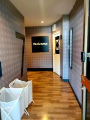 ให้เช่าโรงแรมปรับปรุงใหม่ย่านรัชดา-ห้วยขวาง 6 ชั้น ขนาด 40 ห้อง  พื้นที่ใช้สอย 865 ตรม  เฟอร์นิเจอร์ครบ พร้อมลิฟท์โดยสาร,ทำเล.รัชดา-ห้วยขวาง, ชั้นล่างตกแต่งเป็นล๊อบบี้โรงแรมและค๊อฟฟี่ช๊อป พร้อมเปิดดำเนินกิจการได้เลย -202001171043011579232581414.jpg