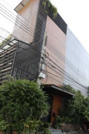 2005ขายอาคารพาณิชย์4ชั้น หลังมุม ตกแต่งพร้อมอยู่ สไตล์ Modern