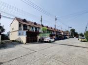หมู่บ้าน บุราพันธ์ การ์เด้นท์วิลล์ สังฆสันติสุข 14 หนองจอก ขายด่วน ทาวน์เฮ้าส์ 2 ชั้น เนื้อที่ 23 ตร.ว แปลงมุม ติดถนนเมน ราคาถูก ต่อรองได้
