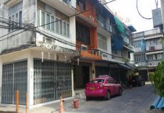 ขายอาคารพาณิชย์ ชุมชนจันทร์ลอย ประชาราษฎร์สาย 1 ซอย 14 ถนนประชาราษฎร์สาย 1 เขตบางซื่อ กรุงเทพมหานคร